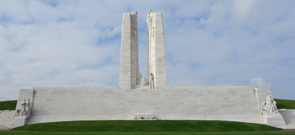 Vimy: Looking from the Lens side